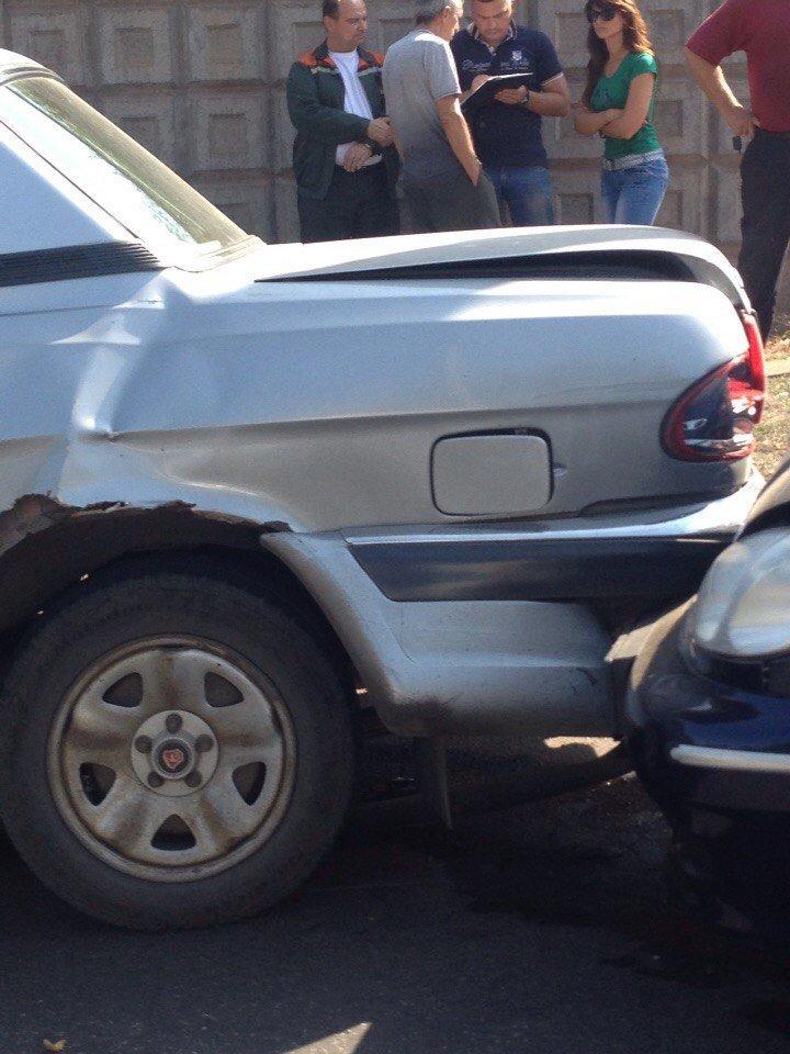 Тройное ДТП в Кривом Роге: «Honda» ударила «Daewoo» - «Daewoo» ударил «ГАЗ» (ФОТО) (фото) - фото 1