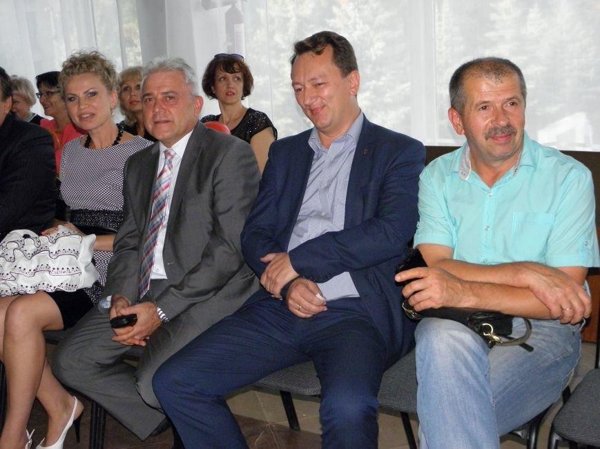 В Краматорске прошел аукцион доброты (фото) - фото 4