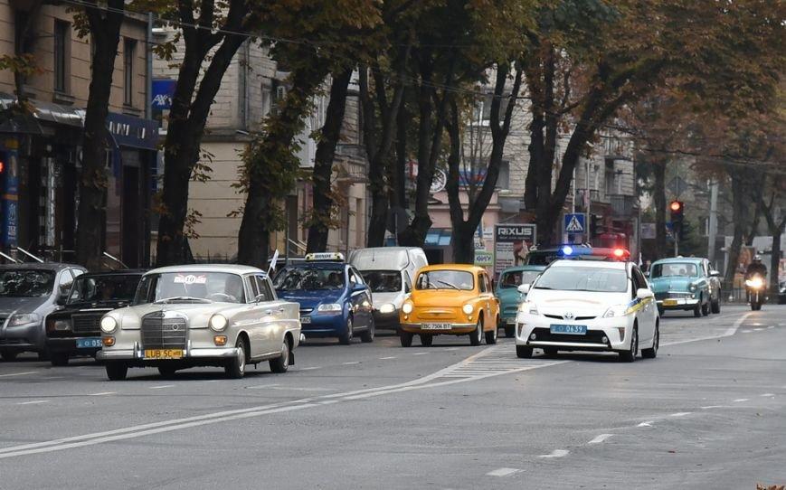 У Тернополі стартував автопробіг ретро-автомобілів (Фото) (фото) - фото 1
