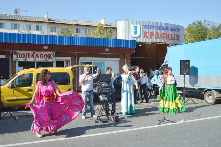 Бахарев: Первую после блокады Крыма сельхозярмарку в Симферополе люди покидали с полными сумками (ФОТО) (фото) - фото 11