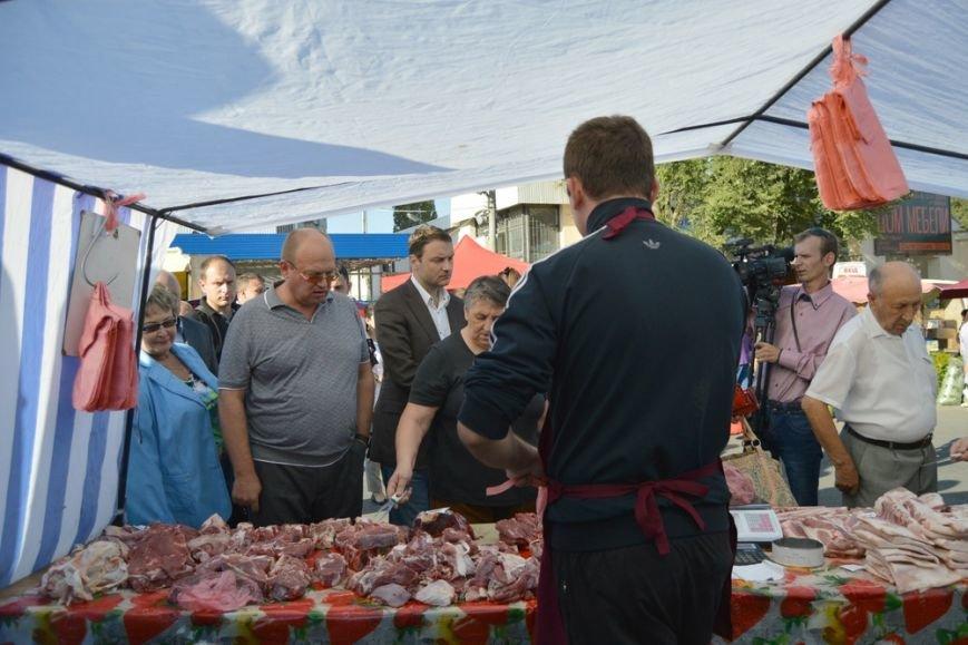 Бахарев: Первую после блокады Крыма сельхозярмарку в Симферополе люди покидали с полными сумками (ФОТО) (фото) - фото 4