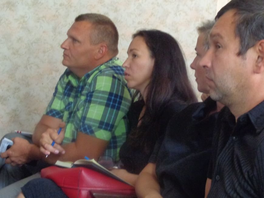 «Мы устали бороться с ветряными мельницами» - региональный координатор ПРООН Иван Мукомел на встрече с безработными в Красноармейске (фото) - фото 3
