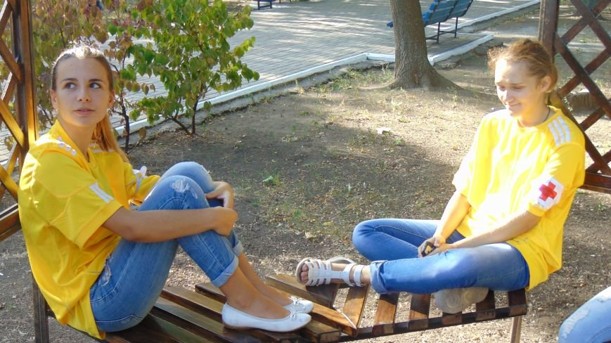 Дети в Городском саду Мариуполя собрали автомат и оттачивали меткость стрельбы (ФОТОФАКТ) (фото) - фото 4