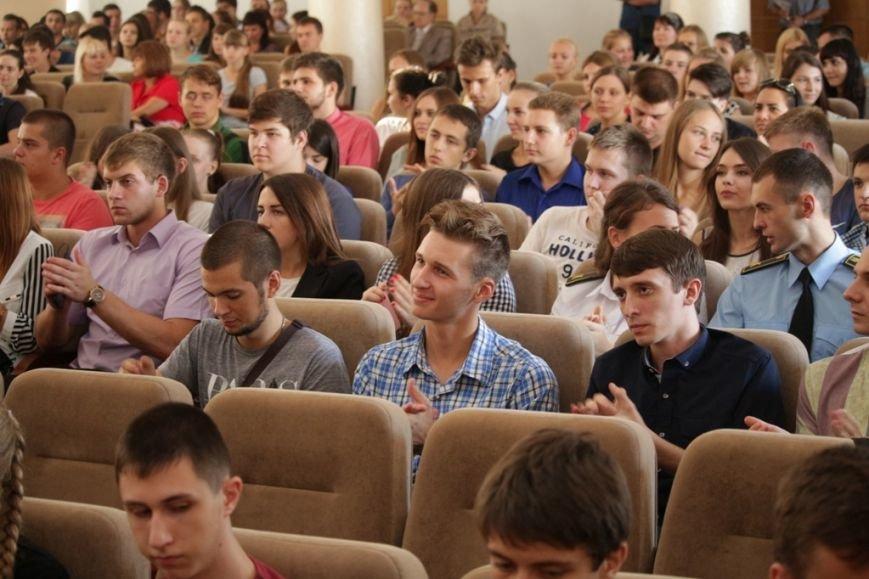 Филатов поможет выпускникам Университета таможенного дела и финансов Украины трудоустроится: создадут специальный кадровый конкурс (фото) - фото 1