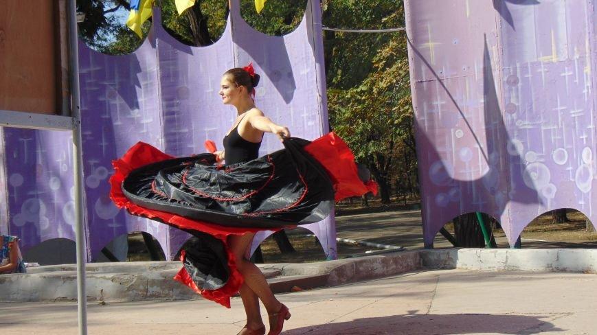 Испанки, индианки, ирландки и мексиканки покорили сердца мариупольцев (ФОТОФАКТ) (фото) - фото 2