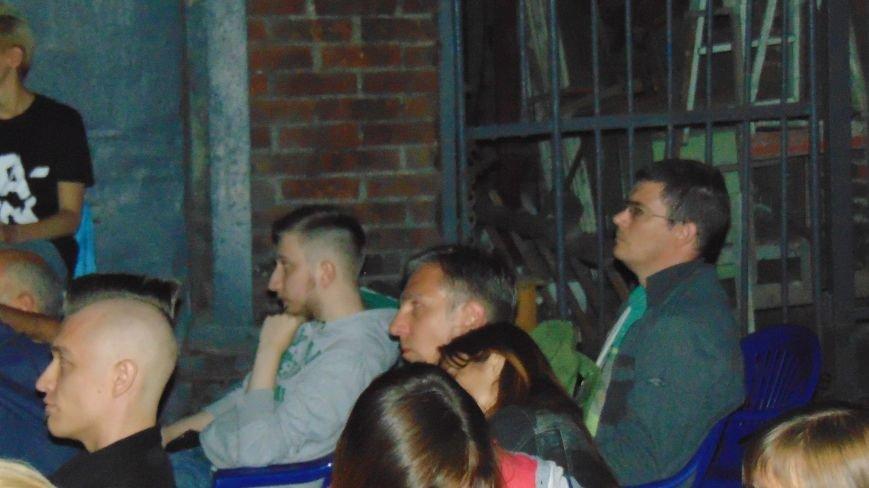 Под звездным небом Мариуполя  демонстрировались фильмы проекта Docudays UA (ФОТОФАКТ) (фото) - фото 3