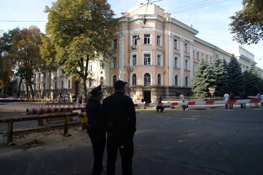 Из-за взрыва в центре Одессы перекрыто движение (ФОТО) (фото) - фото 1