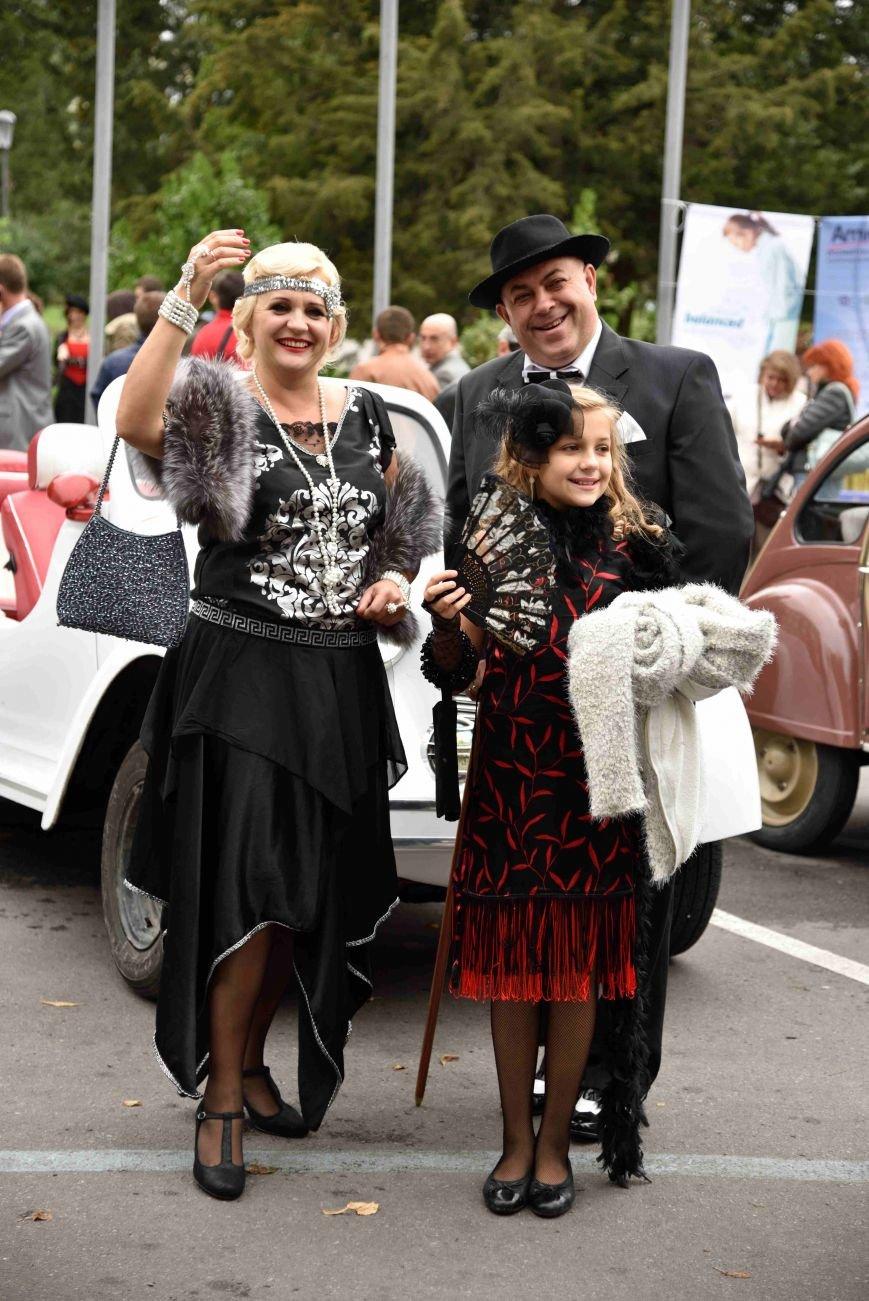 До Тернополя на ретро-автомобілі приїхали герої легендарної французької комедії (ФОТОРЕПОРТАЖ), фото-10