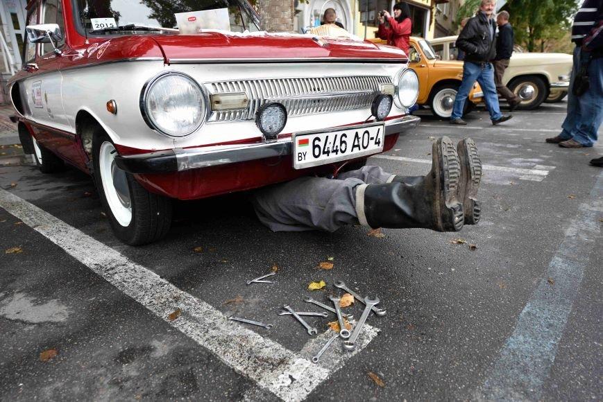 До Тернополя на ретро-автомобілі приїхали герої легендарної французької комедії (ФОТОРЕПОРТАЖ), фото-13