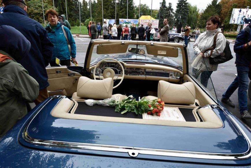 До Тернополя на ретро-автомобілі приїхали герої легендарної французької комедії (ФОТОРЕПОРТАЖ), фото-3