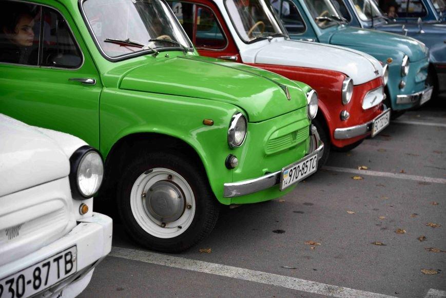 До Тернополя на ретро-автомобілі приїхали герої легендарної французької комедії (ФОТОРЕПОРТАЖ), фото-5