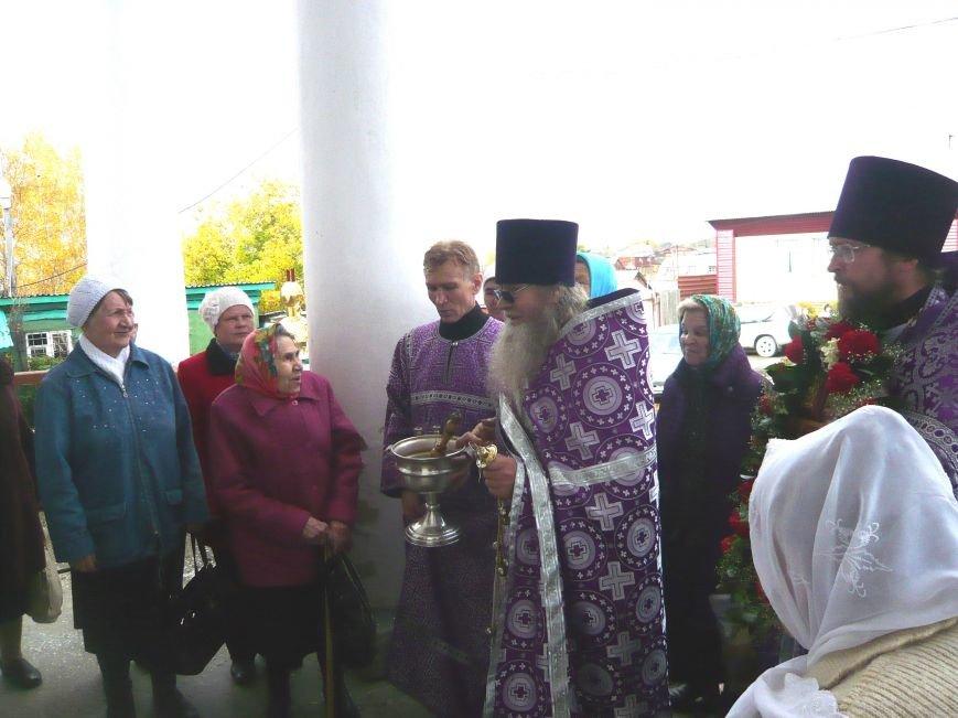 Полевские верующие прошли крестным ходом в день Святого Георгия (фоторепортаж) (фото) - фото 2