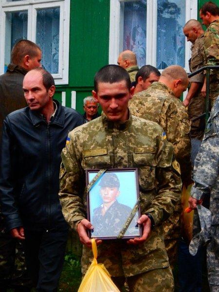 26 вересня Буковина попрощалась із військовим В. Паламарюком (ФОТО), фото-2