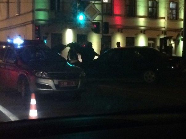 В Гродно на перекрестке ул Карла Маркса и Социалистической столкнулись две иномарки (фото) - фото 3