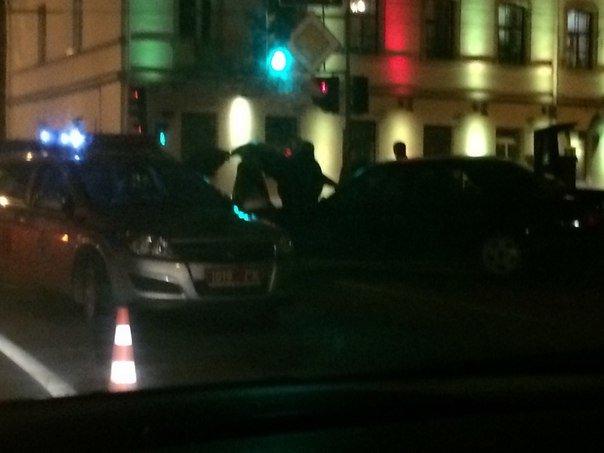 В Гродно на перекрестке ул Карла Маркса и Социалистической столкнулись две иномарки (фото) - фото 4