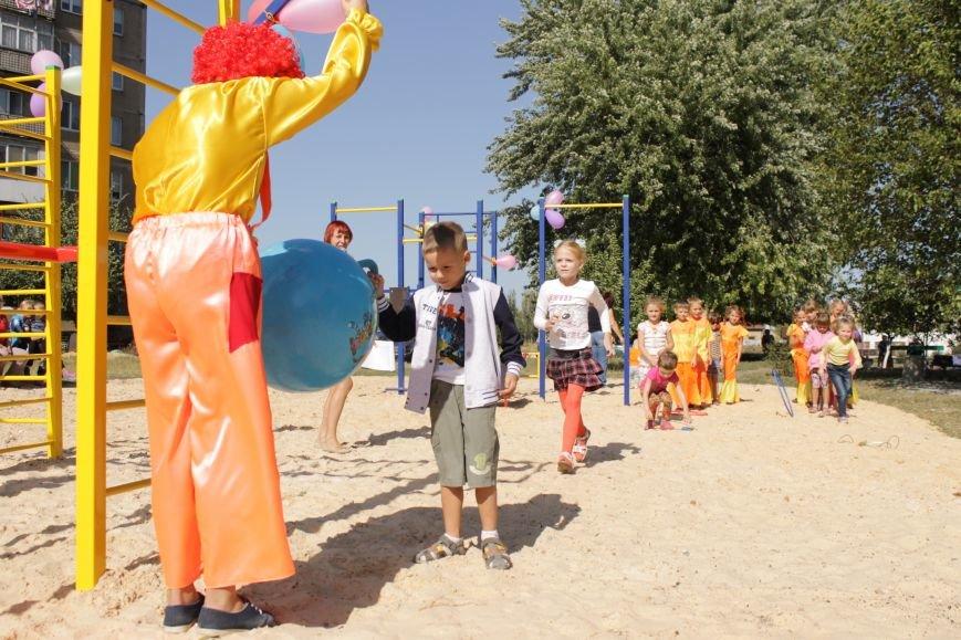 Добропольским детям подарили еще одну площадку (ФОТО), фото-3