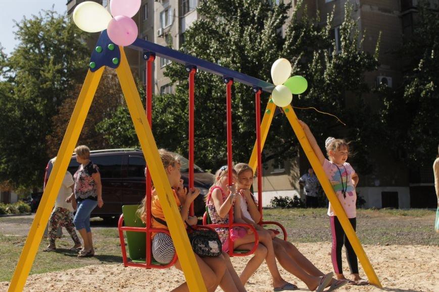 Добропольским детям подарили еще одну площадку (ФОТО), фото-7