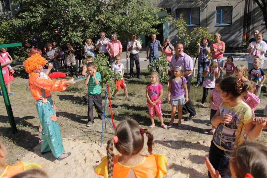 Добропольским детям подарили еще одну площадку (ФОТО), фото-2