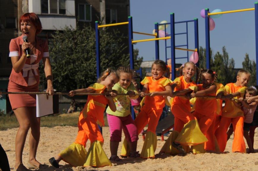 Добропольским детям подарили еще одну площадку (ФОТО), фото-5