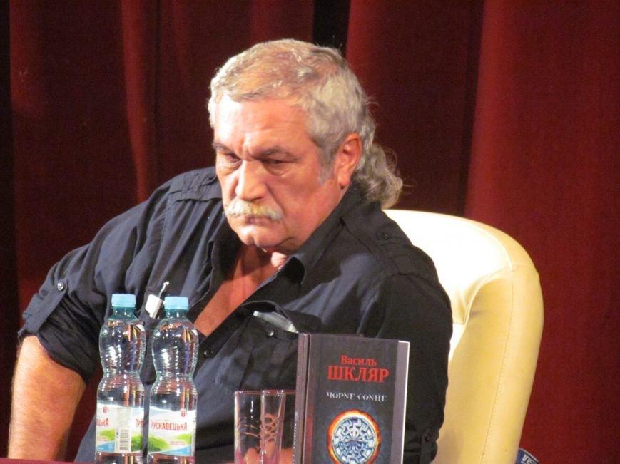Василий Шкляр презентовал книгу про «Азов» в Мариуполе (ФОТО), фото-7