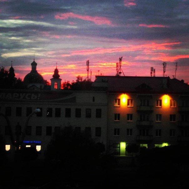 Неделя в Гродно: епископ с Охлобыстиным, игра со светом и уникальный кабриолет (фото) - фото 9