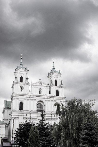Неделя в Гродно: епископ с Охлобыстиным, игра со светом и уникальный кабриолет (фото) - фото 4