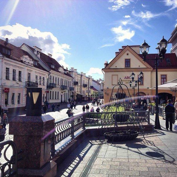 Неделя в Гродно: епископ с Охлобыстиным, игра со светом и уникальный кабриолет (фото) - фото 1