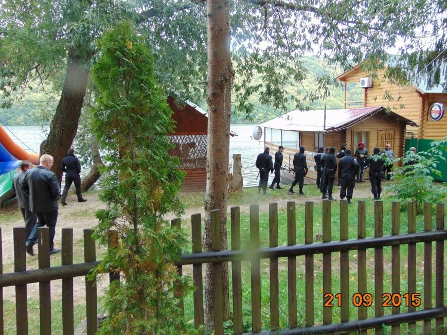 На Тернопільщині у заповіднику «крутелики» будують «нью-Межигір'я», фото-1