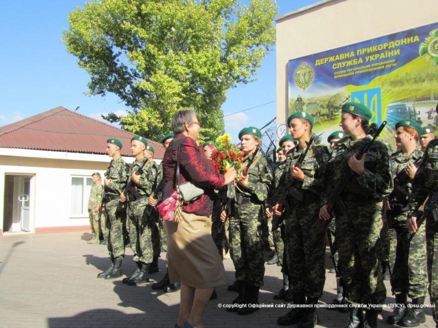 В Мариуполе одиннадцать девушек вооружились автоматами (ФОТО), фото-2
