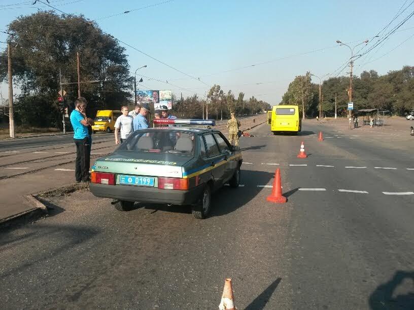 Водитель мариупольской маршрутки сбил насмерть человека на пешеходном переходе (ФОТО+ДОПОЛНЕНО) (фото) - фото 3