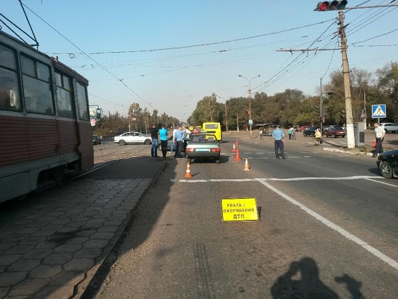 Водитель мариупольской маршрутки сбил насмерть человека на пешеходном переходе (ФОТО+ДОПОЛНЕНО) (фото) - фото 6