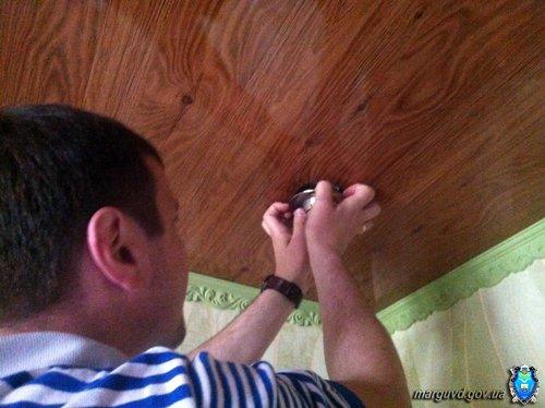 В Мариуполе будут судить мужчину, хранившего гранаты в потолке, фото-2