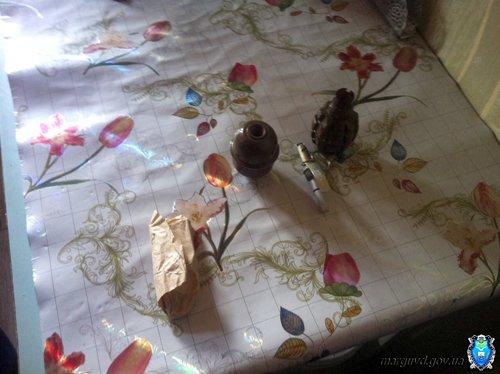 В Мариуполе будут судить мужчину, хранившего гранаты в потолке, фото-3