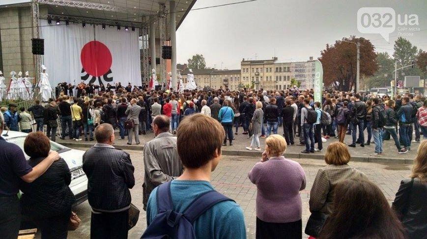 Відкриття торгового центру, тисяча квитків і кавовий фестиваль, - як Львів прожив минулий тиждень у фотографіях (фото) - фото 8
