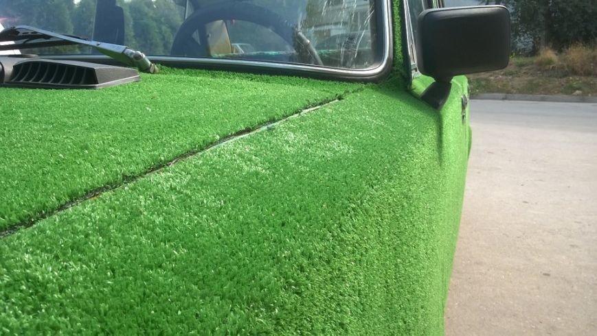 По Севастополю катается «поросший травой» ВАЗ (ФОТОФАКТ) (фото) - фото 2