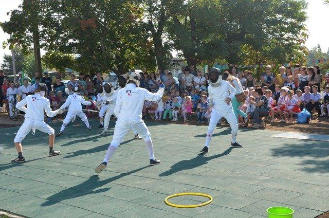 У маленьких жителей села на Николаевщине появилась новая спортивная площадка (ФОТО) (фото) - фото 6