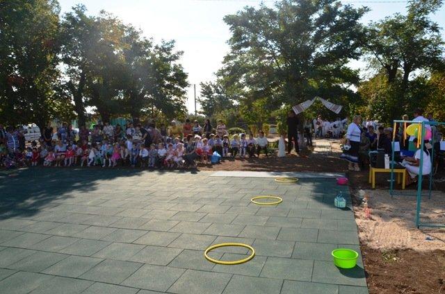 У маленьких жителей села на Николаевщине появилась новая спортивная площадка (ФОТО) (фото) - фото 4