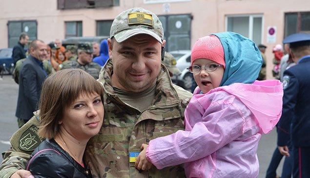 З Тернополя міліцейський батальйон вирушив у зону АТО (ФОТО) (фото) - фото 1