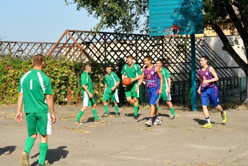 «Запорожский вектор» сыграл с воспитанниками Детского дома интерната два дружеских матча (фото) - фото 3