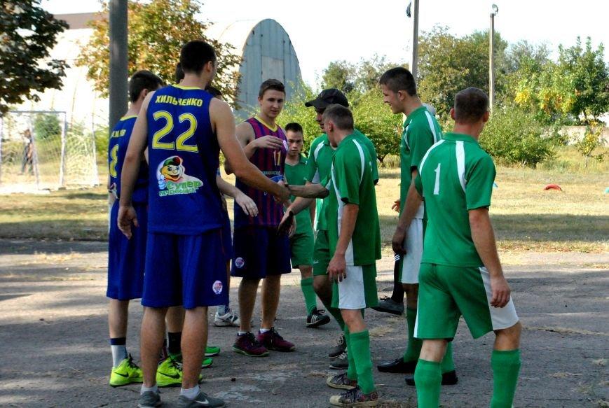 «Запорожский вектор» сыграл с воспитанниками Детского дома интерната два дружеских матча (фото) - фото 2