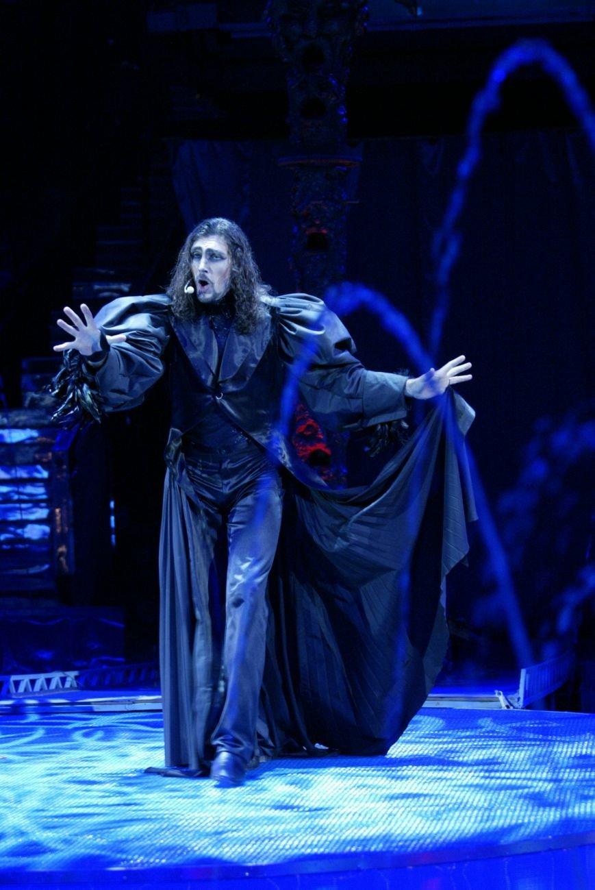 К открытию 61-го сезона Музыкальный театр Крыма приготовил для зрителей сюрприз (фото) - фото 5