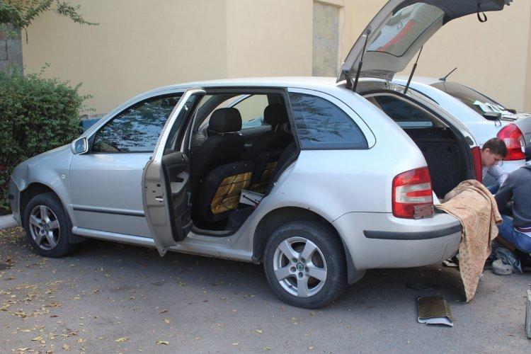 В Днепродзержинске задержали автомобили с оружием и коноплей, фото-4
