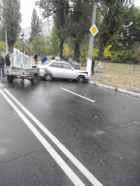 В ДТП на Молодёжном пострадали сразу три автомобиля (ФОТО) (фото) - фото 1