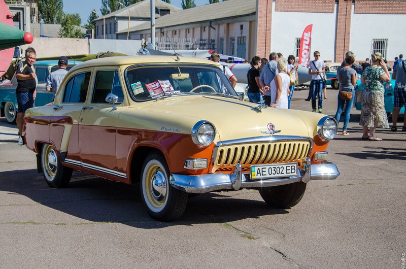 В Днепропетровской области прошла выставка ретроавтомобилей (фото) - фото 1
