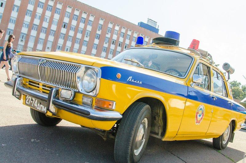 В Днепропетровской области прошла выставка ретроавтомобилей (фото) - фото 10