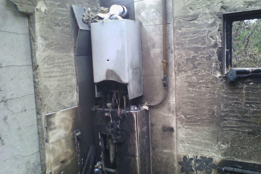 Семье белгородцев, чей дом сгорел в День города, за три года придётся восстановить жильё (фото) - фото 2