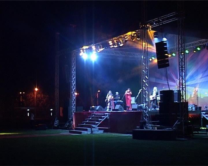В День города для людей старшего поколения пели «Лейся, песня» и Виктория  Цыганова (фото) - фото 1