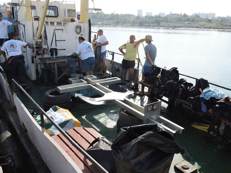 На дне моря у берегов Севастополя установили поклонный крест (ФОТО) (фото) - фото 6