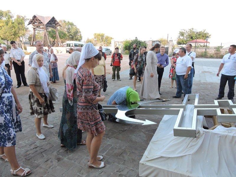 На дне моря у берегов Севастополя установили поклонный крест (ФОТО) (фото) - фото 2