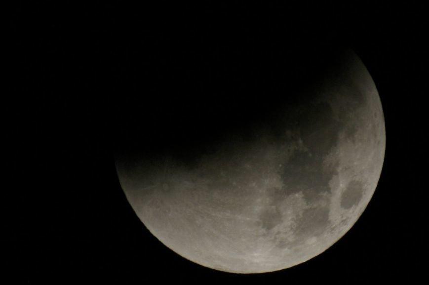 Как Земля Луну покрасила. Лунное затмение в Петербурге в ночь с 26 на 27 сентября. (фото) - фото 1